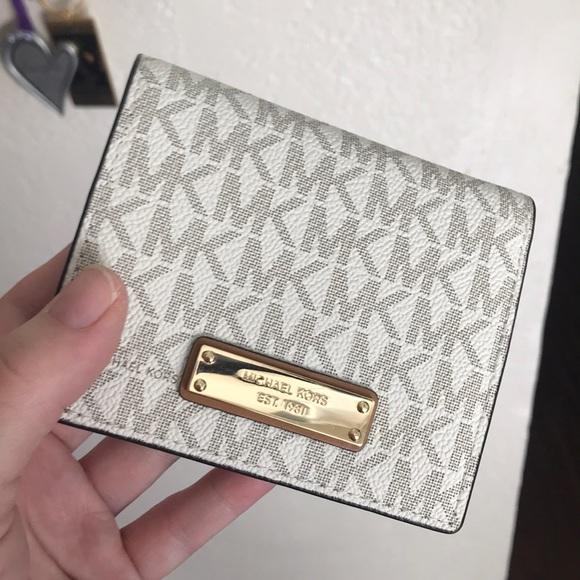 41223719d3c4a6 MICHAEL Michael Kors Bags | Michael Kors Flap Card Holder In Vanilla ...